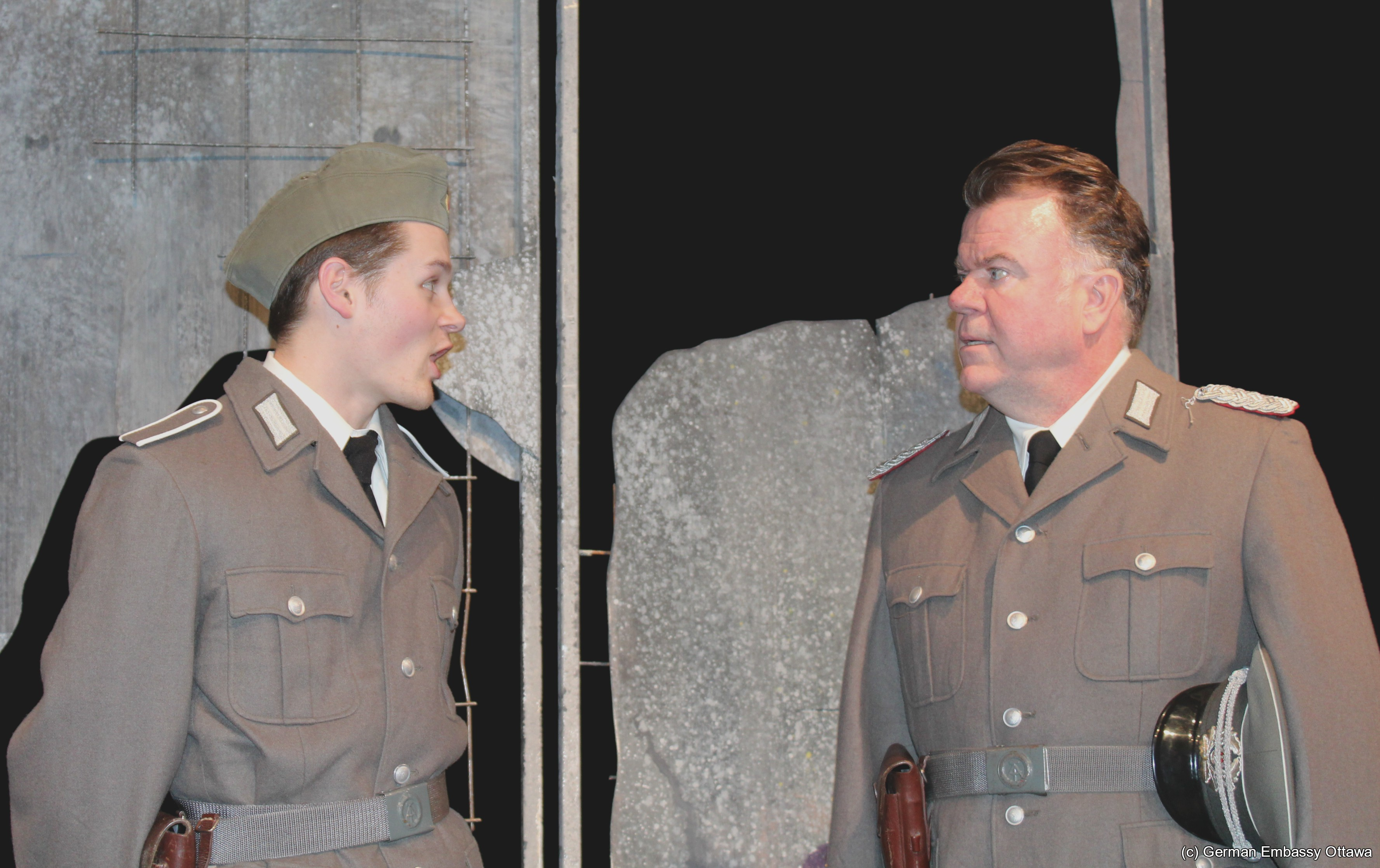 Canadian play about Berlin Wall premieres in Ottawa